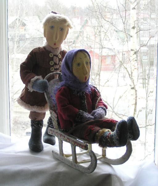 на санках  авторская кукла