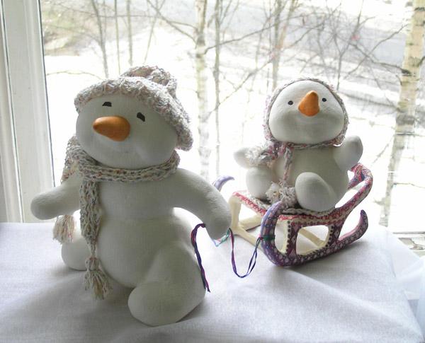 Снеговики Снеговики, снеговичок на санках авторская кукла