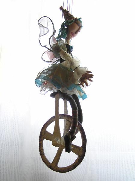 Прогулка на моноцикле  авторская кукла