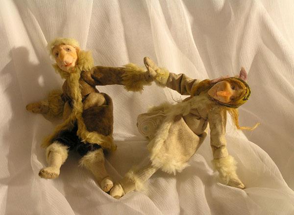 Прогулки по гололёду  авторская кукла