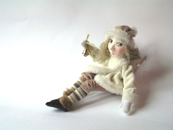 Ангел с колокольчиком  авторская кукла