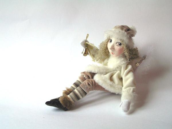 рождественский ангел с колокольчиком авторская кукла